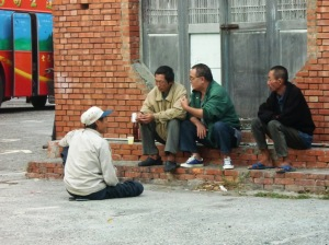 Locals, Lugang